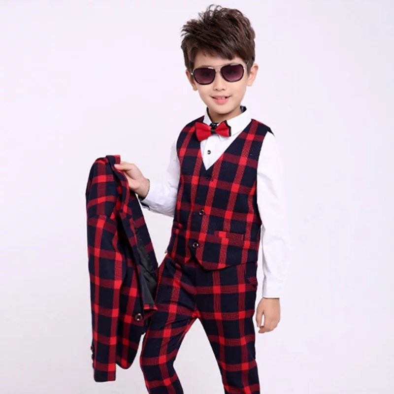 "Costum elegant 4 piese ""Caro red"", sacou, vesta , camasa alba cu papion si pantaloni"