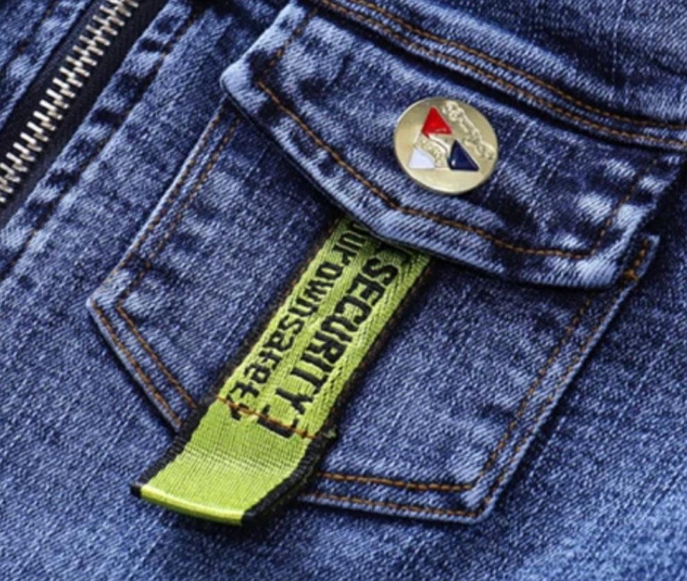 "Set blug 3 piese ""Delicios"", geaca, bluza alba maneca lunga si jeans albastru"