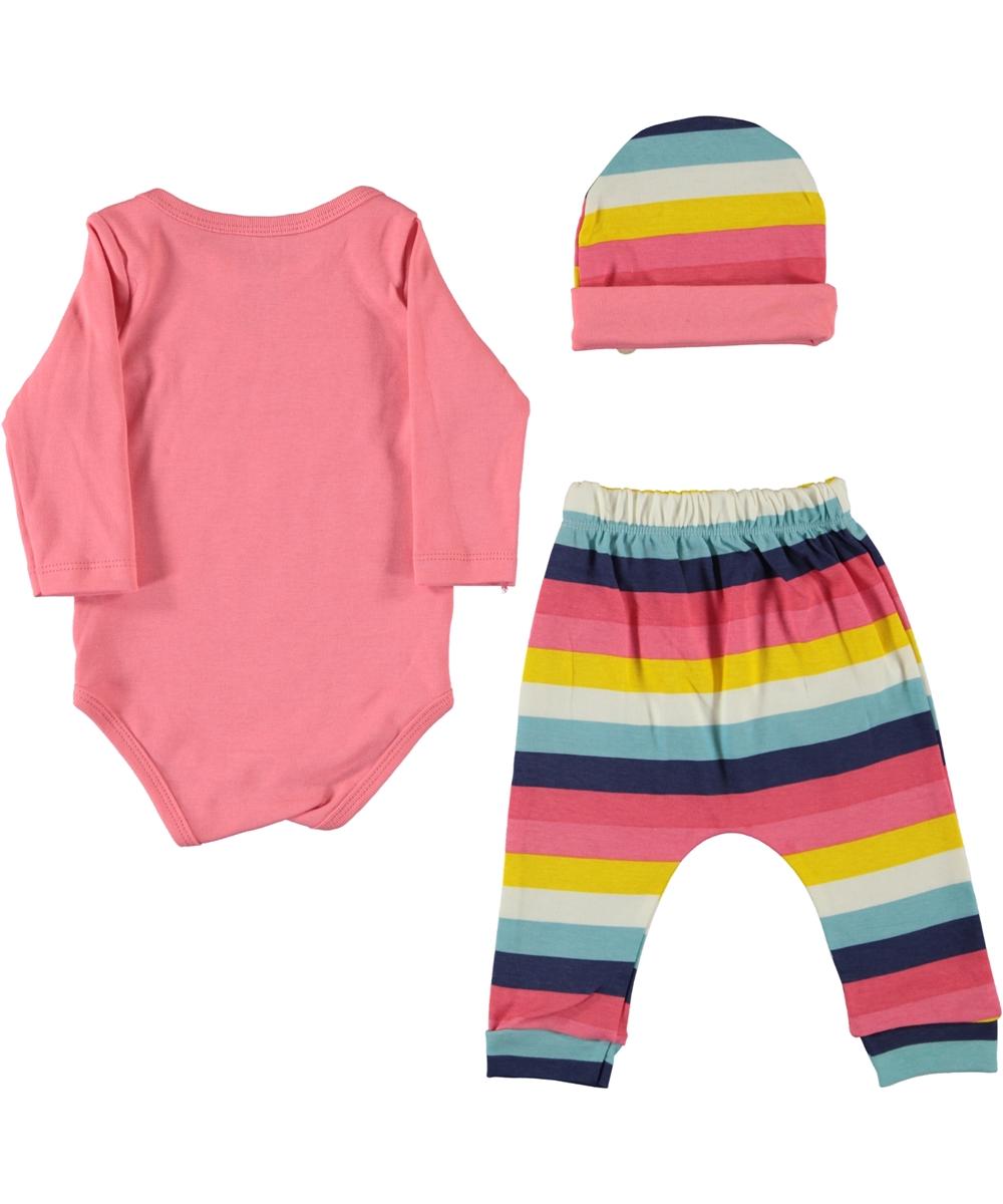 "Set 3 piese "" Veverita cocheta"" , body roz, pantaloni si caciulita curcubeu"