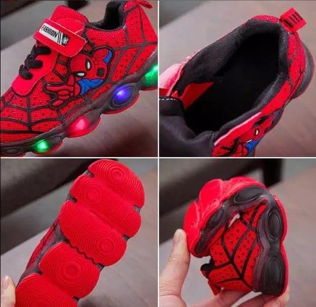 Adidasi Spiderman cu lumini multicolore