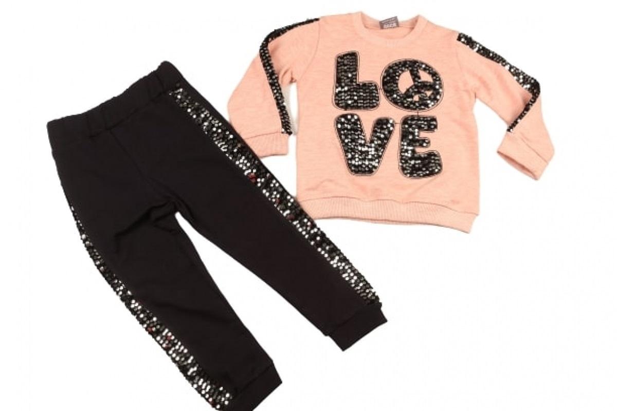 "Trening 2 piese "" Love"" , bluza frez , pantaloni negri cu paiete argintii"
