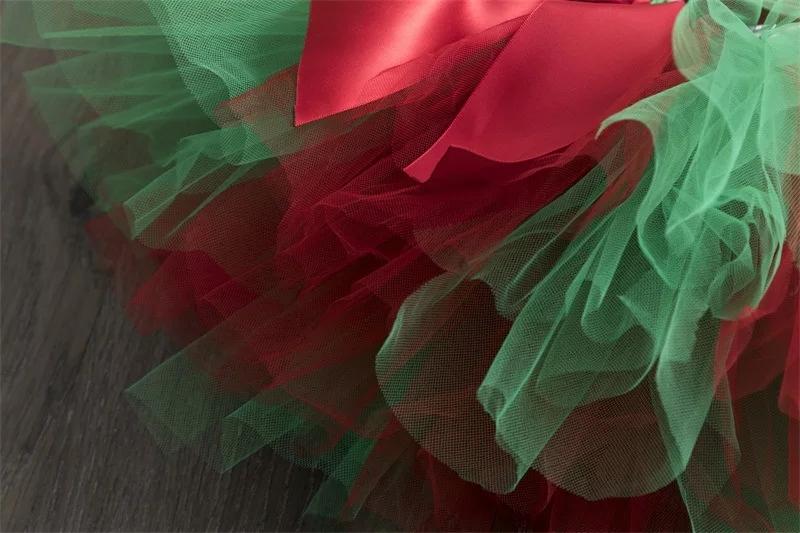 """Set 3 piese """"Primul meu Craciun"""" , body alb maneca scurta, fusta tull verde cu rosu si bentita"""