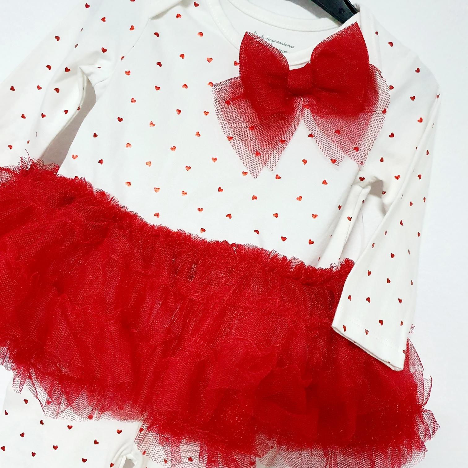 "Set 2 piese ""Vis de balerina"", bluza tip rochita, leggings alb cu inimioare rosii"