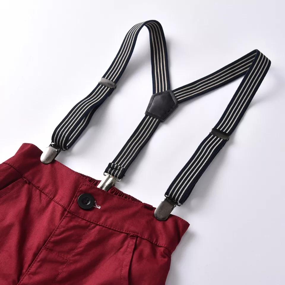 Set ocazie 2 piese , camasa gri cu papion , pantalon visiniu cu bretele