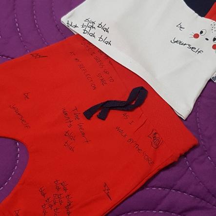 """Set vara 2 piese """"Iepurasul vorbaret"""", tricou alb, pantaloni rosii"""