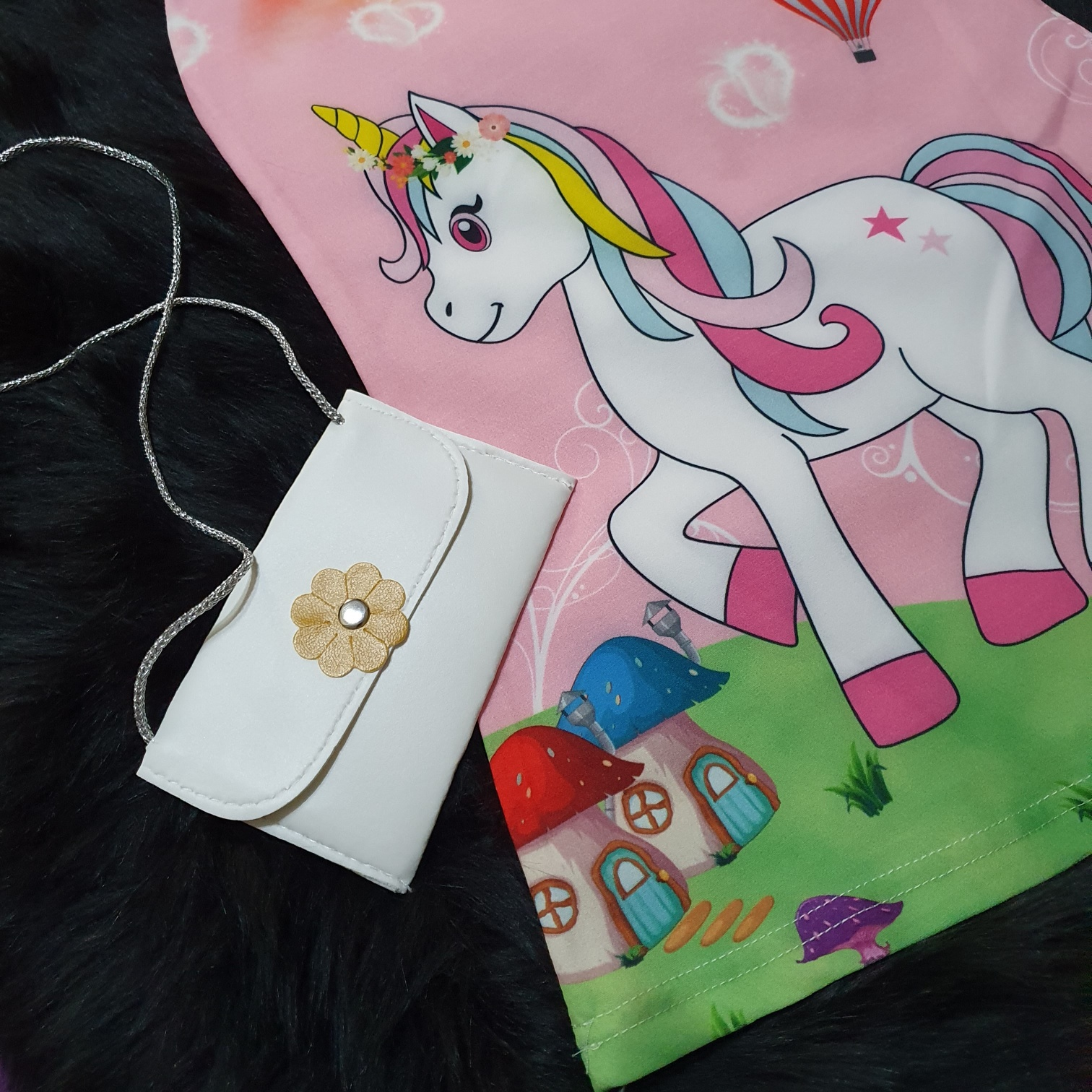 "Rochie roz de vara ""Unicornul curcubeu"", posetuta inclusa"