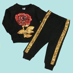 "Trening 2 piese "" Trandafirul parfumat"", bluza neagra si pantaloni cu paiete aurii"