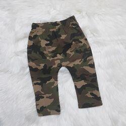Pantaloni model camuflaj