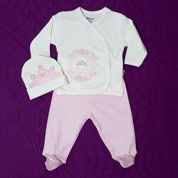 "Set 3 piese ""Princess"", bluza alba, pantaloni roz cu picior si caciulita"