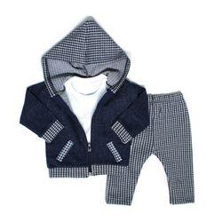 "Set 3 piese ""Mini kid"" , hanorac bleumarin cu gluga, bluza alba si pantaloni in carouri"