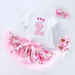 "Set aniversar 2 ani ""Princess"" , body alb maneca scurta, fusta inflorata , papucei si bentita"