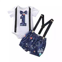 "Set aniversar 1 an ""Galaxie"" , body alb cu papion , pantaloni albastri cu bretele"