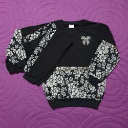"Trening 2 piese ""Gri de toamna"", bluza si pantaloni negri cu insertii florale"